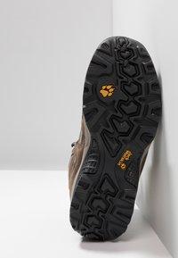 Jack Wolfskin - VOJO HIKE 2 TEXAPORE MID - Hiking shoes - siltstone - 4