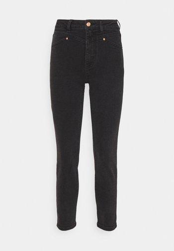 ONLERICA LIFE - Jeans straight leg - black denim