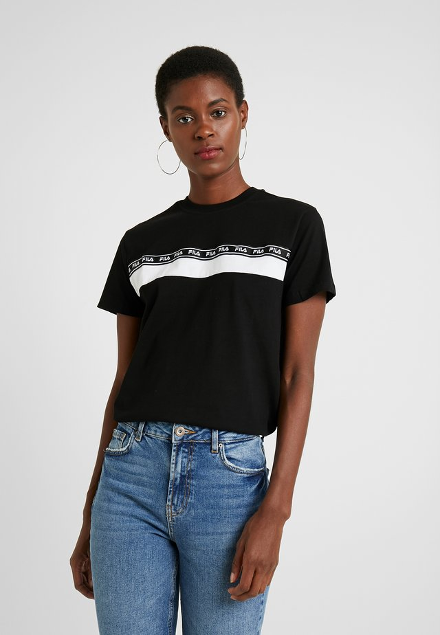 SHINAKO TEE - Camiseta estampada - black/bright white