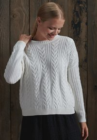 Superdry - DROPPED SHOULDER CABLE CREW NECK - Neule - winter white - 1