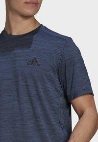 adidas Performance - M HT EL TEE - T-shirts basic - blue - 4