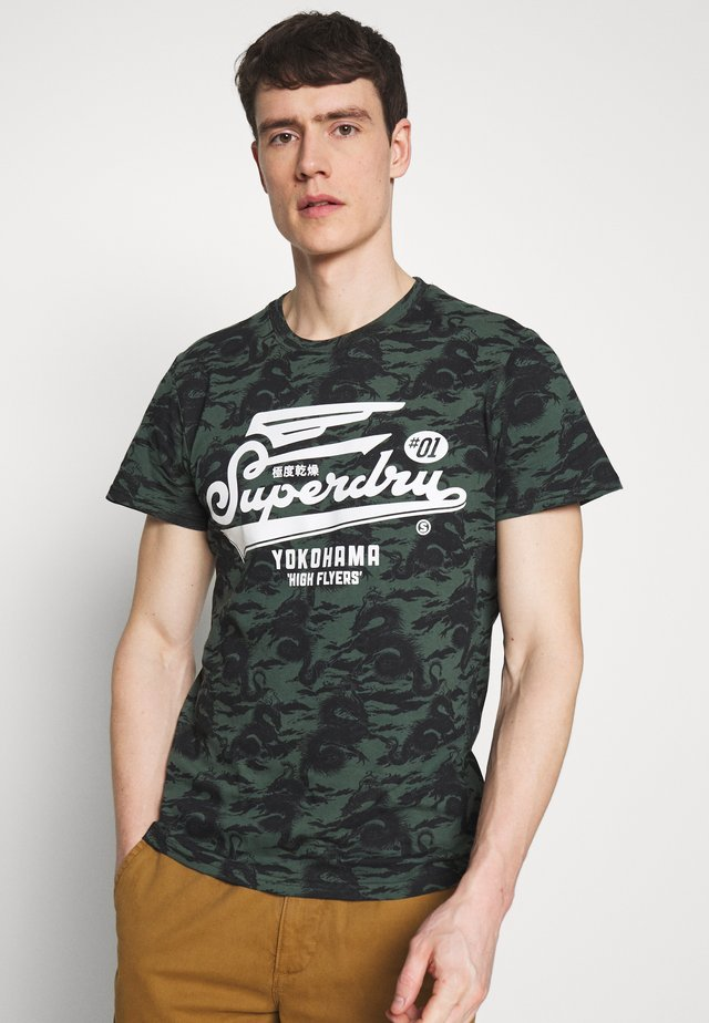 TEE - T-shirts med print - hiroshi dragon olive