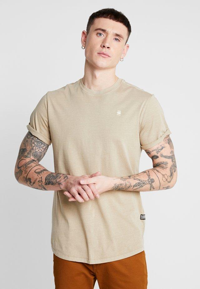 LASH - Basic T-shirt - dusty sand