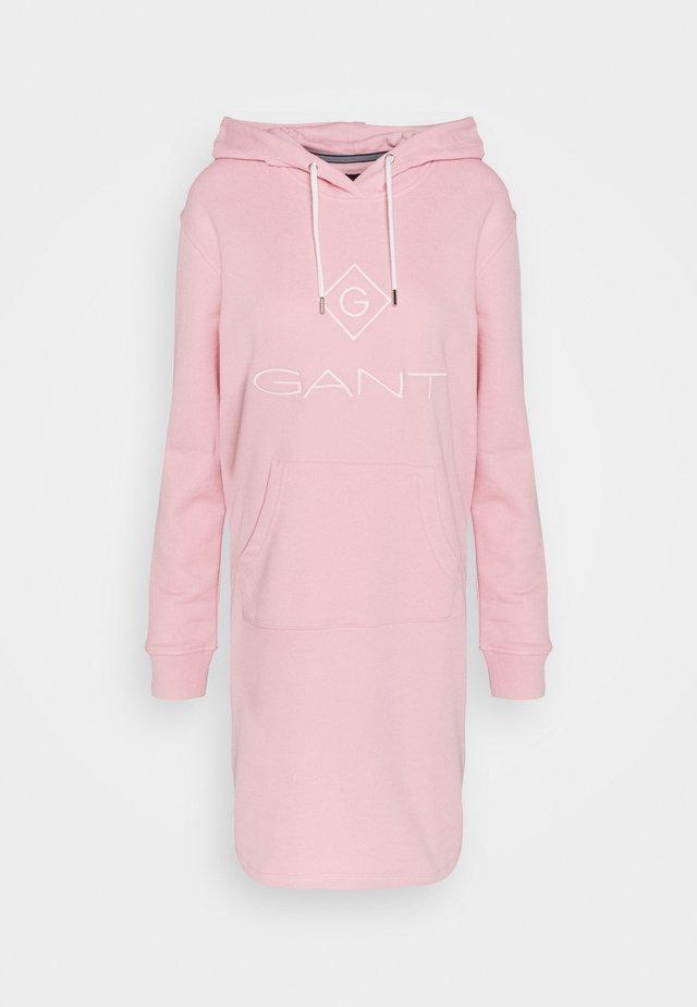 LOCK UP HOODIE DRESS - Vapaa-ajan mekko - preppy pink