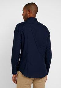 Seidensticker - BUSINESS KENT PATCH SLIM FIT - Formal shirt - dark blue - 2