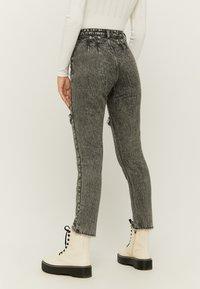 TALLY WEiJL - Slim fit jeans - gry - 2