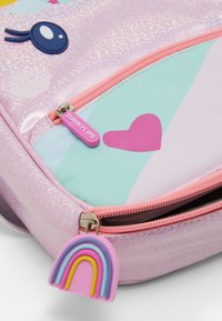 Sunnylife - UNICORN KIDS LUNCH BAG - Lunch box - pink - 3