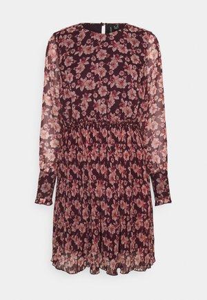 VMWONDA PLISSE DRESS - Day dress - winetasting