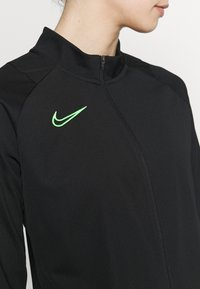 Nike Performance - ACADEMY SUIT - Treningsdress - black/green strike - 7