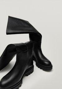 Massimo Dutti - MIT SUPER-PROFILSOHLE - Boots - black - 3