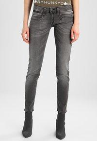 Herrlicher - PIPER SLIM - Slim fit jeans - dark ash - 0