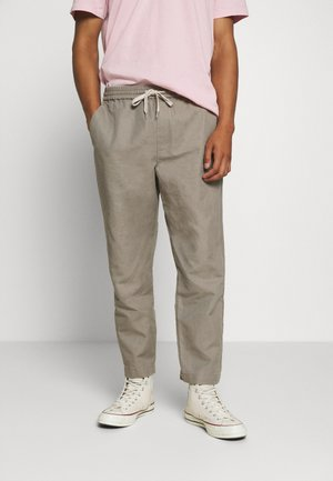 LUCKETT - Trousers - sage grey