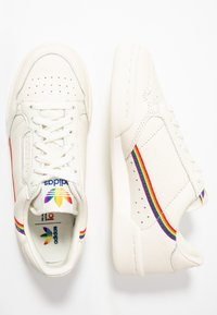 adidas Originals - CONTINENTAL 80 PRIDE - Baskets basses - offwhite - 1