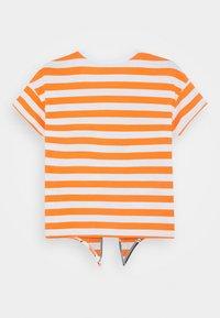 Benetton - T-shirt con stampa - orange - 1