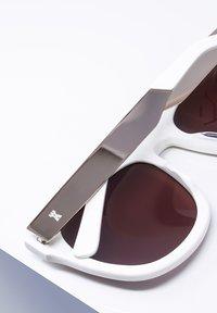 LDNR - REDCHURCH - Sunglasses - shmilk/wht - 3