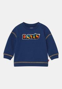 Levi's® - CREWNECK - Mikina - estate blue - 0