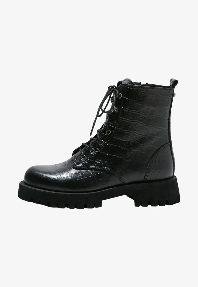 Veterboots - black croco obl