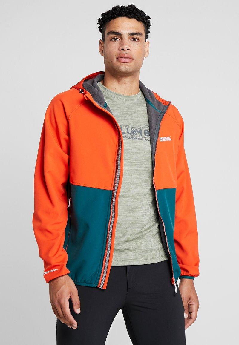 Regatta - AREC  - Soft shell jacket - orange/teal