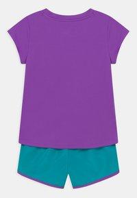 Nike Sportswear - SPRINTER SET - Camiseta estampada - aquamarine - 1