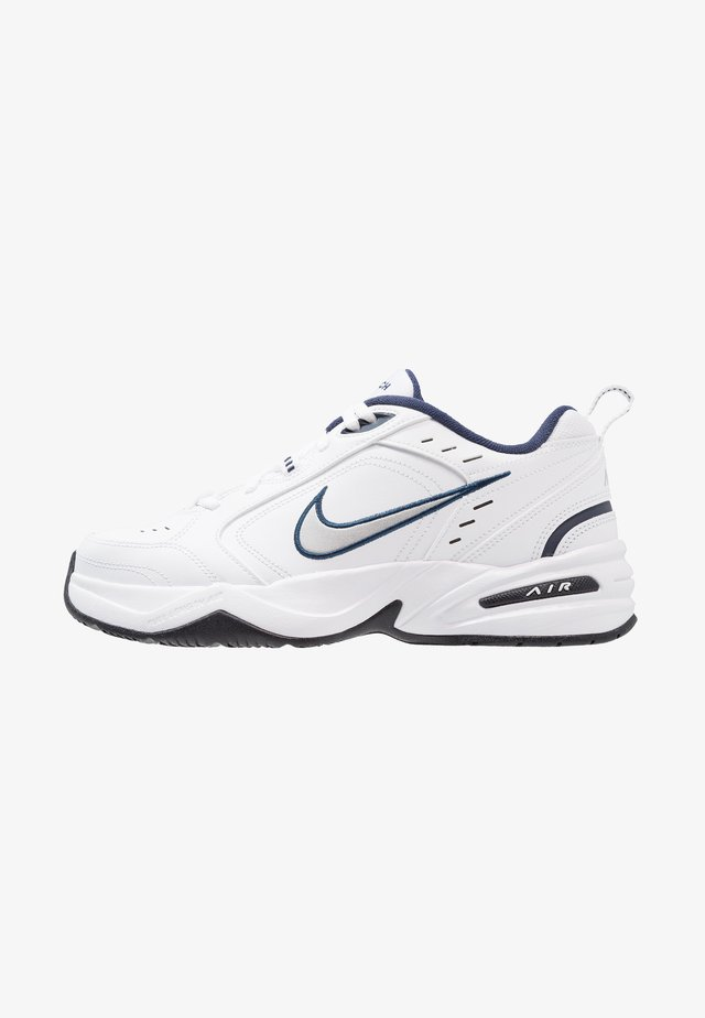 AIR MONARCH IV - Joggesko - white/metallic silver