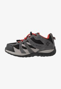 Columbia - CHILDRENS REDMOND WATERPROOF - Hiking shoes - black/flame - 1