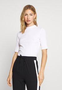 Monki - SABRINA 2 PACK - T-shirt basique - black/white - 1