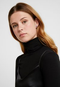 Swarovski - ATTRACT STUD NEW - Earrings - nano dark blue - 1