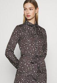 NU-IN - BELTED DRESS - Maxi dress - dark grey - 5