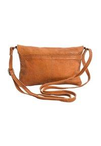 Gusti Leder - Across body bag - cognac - 2