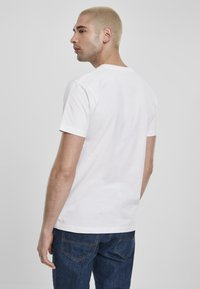 Southpole - SOUTHPOLE HERREN SOUTHPOLE URBAN ACTIVE TEE - T-shirt con stampa - white - 2