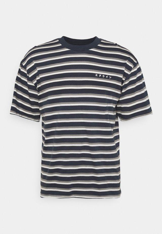 QUARTER UNISEX - T-shirt print - dark blue/grey