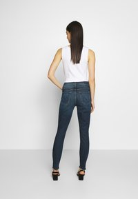 Mother - THE STUNNER FRAY - Jeans Skinny Fit - roasting nuts - 2