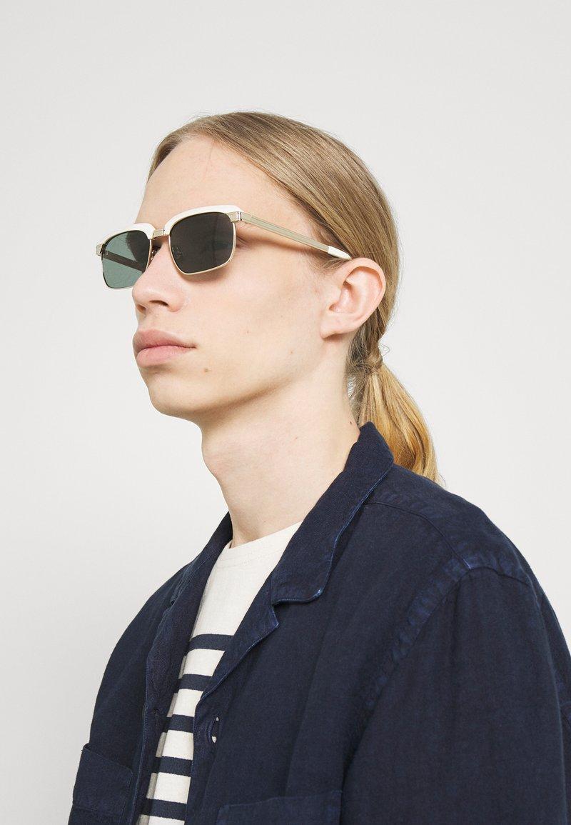 Salvatore Ferragamo - UNISEX - Okulary przeciwsłoneczne - white/gold-coloured
