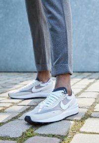 Nike Sportswear - WAFFLE ONE - Sneakers - summit white/white-black-orange - 4