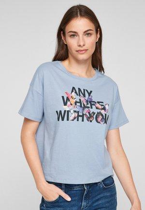 LOCKERES MIT SCHRIFTPRINT - Print T-shirt - light blue