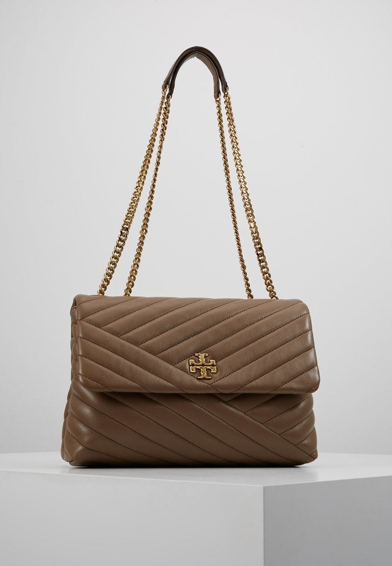 Tory Burch - KIRA CHEVRON CONVERTIBLE SHOULDER BAG - Bolso de mano - classic taupe