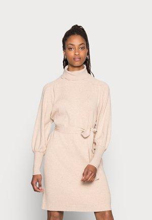MALENE DRESS - Stickad klänning - beige