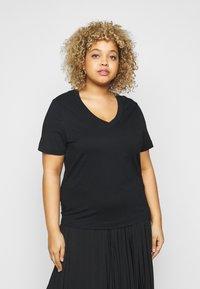 Selected Femme Curve - SLFANDARD NECK TEE - Jednoduché triko - black - 0