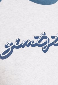 Zimtstern - SWEETZ TEE - Triko spotiskem - glacier grey melange/blue steel - 2