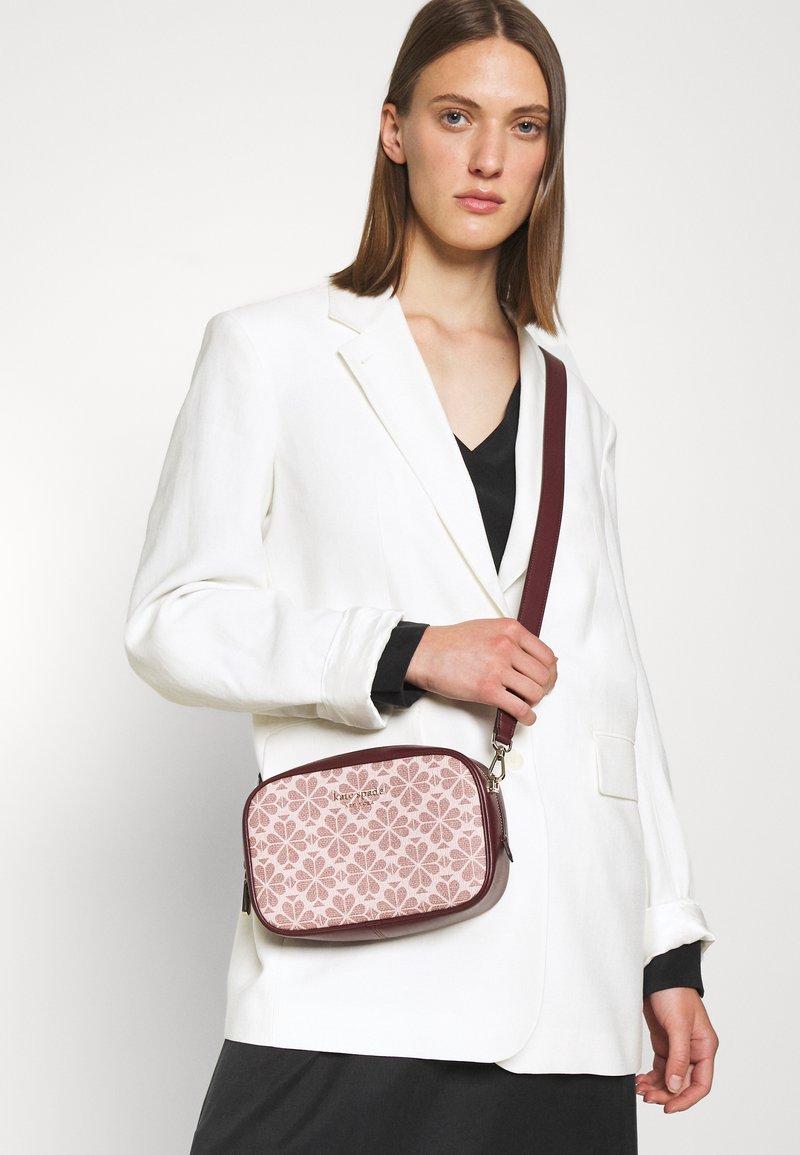 kate spade new york - MEDIUM CAMERA BAG - Across body bag - pink/multi