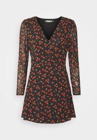 Missguided Petite - HALF BUTTON TEA DRESS FLORAL - Day dress - black - 4