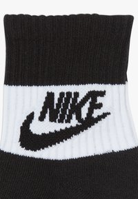 Nike Sportswear - CREW 3 PACK - Socks - black - 4