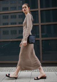Mansur Gavriel - MINI ZIP BUCKET - Across body bag - black - 0