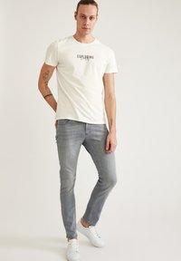 DeFacto - Jeans slim fit - grey - 3