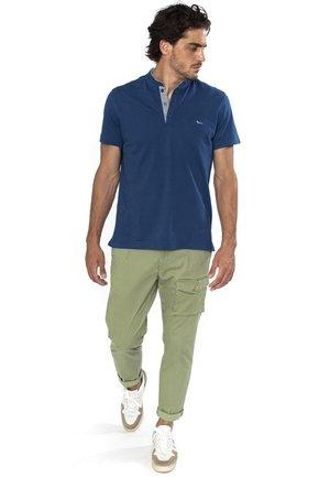PIPING - T-shirt basic - grigio cadetto