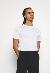 Calvin Klein Golf - 3 PACK - Basic T-shirt - khaki/navy/white - 1