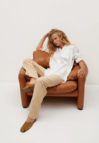 Mango - LONG-A - Button-down blouse - weiß - 5