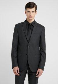 Bruuns Bazaar - KARL SUIT - Suit - black - 2