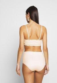 Monki - PAULINE AND GETRUDE BIKINI SET - Bikini - white light - 2