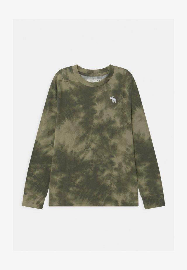 PATTERN - Långärmad tröja - green